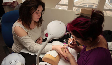Best Nails - Чи не шкодить здоров'ю нарощування нігтів та гельевий лак?