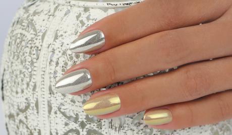 Best Nails - ChroMirror- La manicura espejo que alborota el ambiente NailArt del momento.