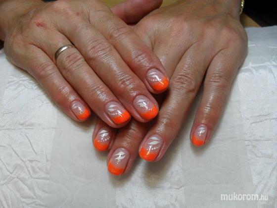 Babinszki Zsuzsanna - vakító narancsos francia - 2012-07-20 20:10