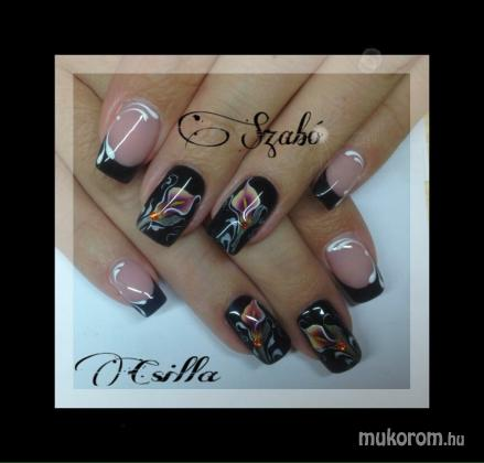 acryl nail decoration nail decorator
