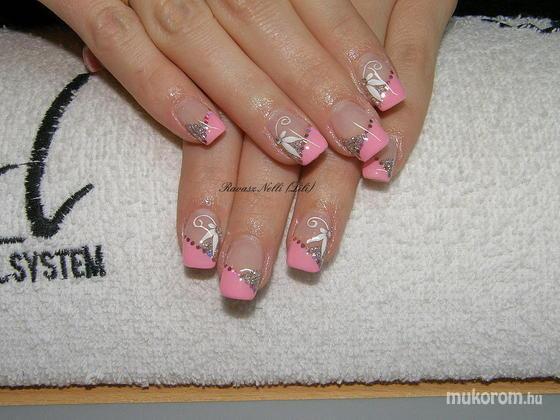 Lili Nails Nottingham - akrillal díszített - 2011-02-18 18:56