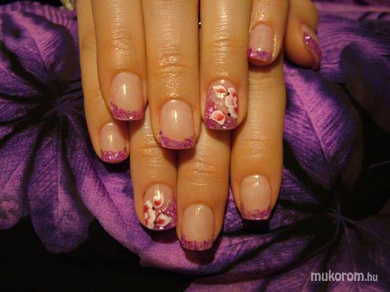 Martonosi Lili Anna - Beépített kagyló és egymozdulat virág - 2011-02-23 18:22