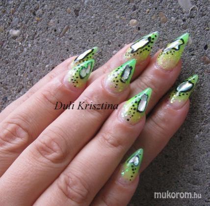 Duli Krisztina - Neon - 2011-07-19 13:00