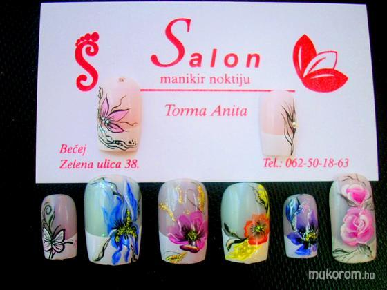 Torma Anita - viragok - 2011-08-05 21:54
