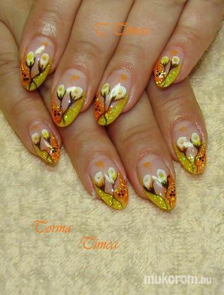 Torma Tímea - csillámos virágos - 2011-08-17 21:10