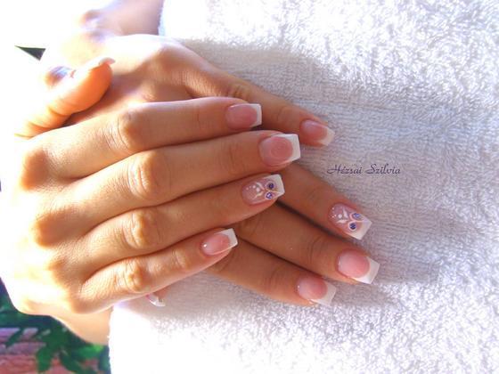 Hézsai Szilvia - Mini francia csak nőiesen - 2011-08-23 07:07