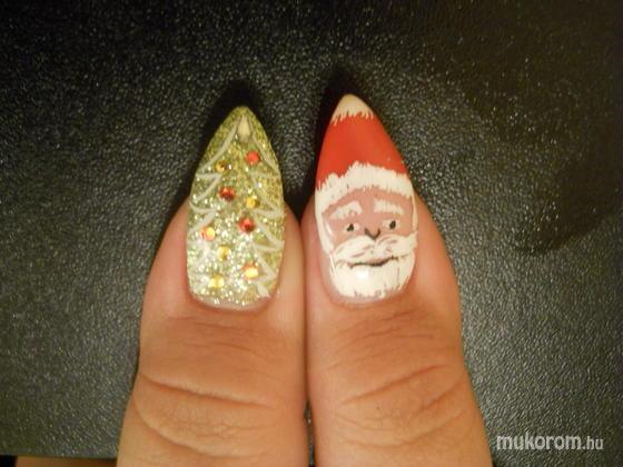 Emi - Kriszti karácsonyi mintás zselés akrilos 2 - 2011-12-11 16:53