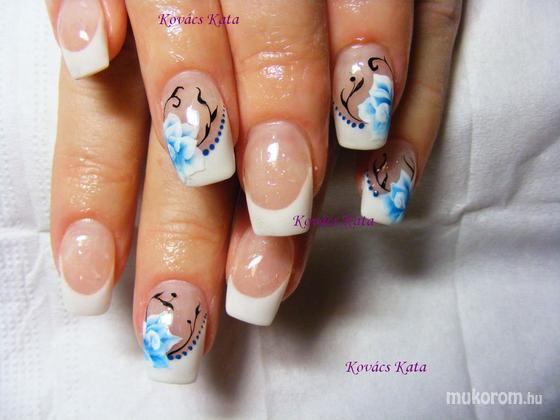 Kovács Kata - kék rózsa - 2012-01-03 23:19