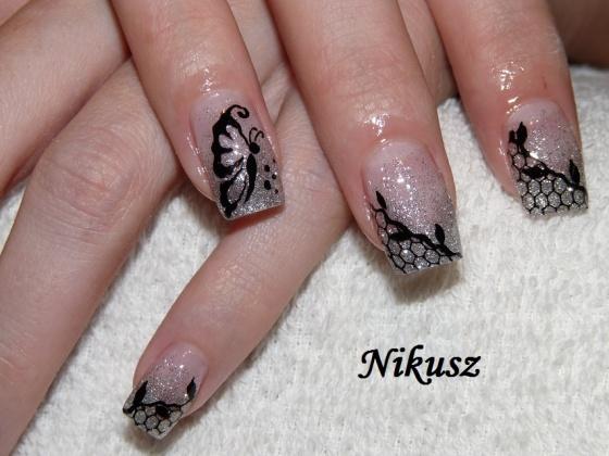 Perkovics Nikolett (Nikusz) - Csillámos,hálós,akrillal díszítve - 2010-11-07 21:27