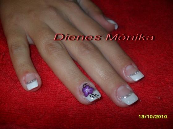 Kelemenné Dienes Mónika - egyszerű akrilvirág - 2010-11-03 19:01