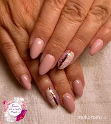 Simon Dominika - Rózsaszín nyomdával és glitterrel - 2020-08-30 11:19