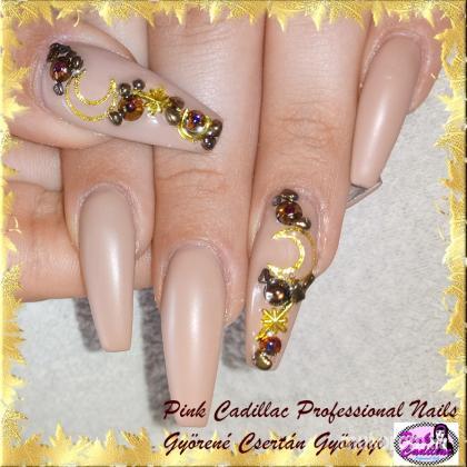 Gyöngyi Györené Csertán - Gold nail art - 2020-10-03 19:55