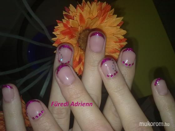 Füredi Adrienn Viktória - egyszerű mini - 2011-08-07 22:19