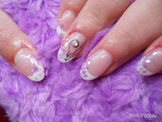 Emi - Lilla zselés kagylós - 2011-08-29 11:53