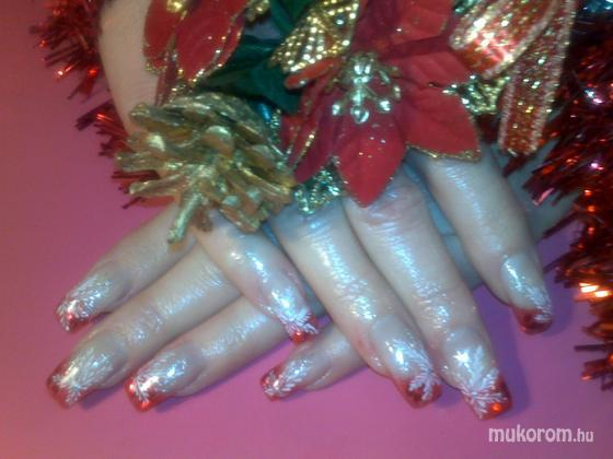 Kiss Adrienn - karácsonyi - 2011-12-26 12:42