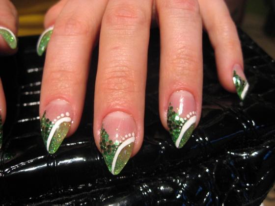 Nagy Nikolett - zöld stiletto (első) - 2010-03-22 22:13