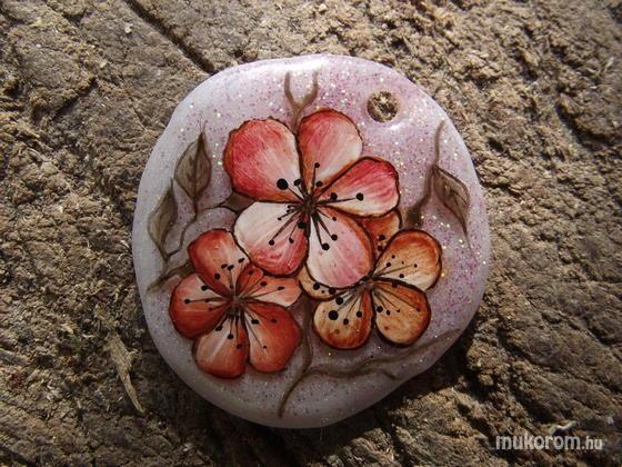 Virág-Kis Ágnes - Rózsaszín medál - 2011-04-04 08:26