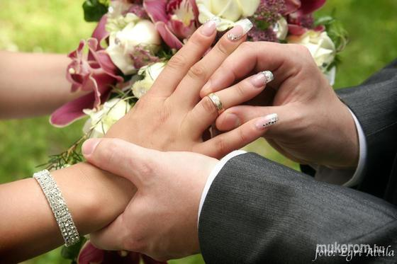 Kis-Majoros Melinda - esküvőre - 2012-07-28 07:47