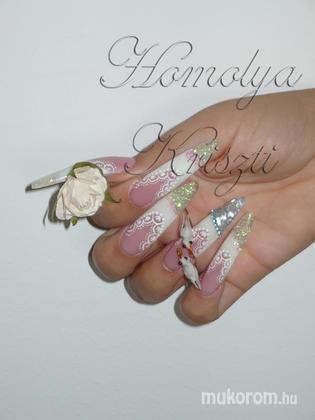 Homolya Kriszti - első versenyemre - 2011-06-06 09:26