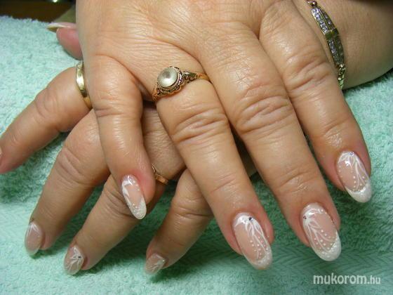 Kubinyi Emese - Akár menyasszony is lehetne - 2011-11-21 09:19