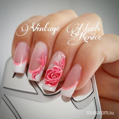 Csuri Kinga - Vintage Nails Košice - 2016-04-16 16:42