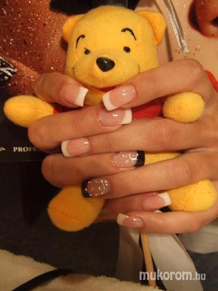 Bobál Bernadett - Pipi barátnőmnek - 2011-02-10 12:11
