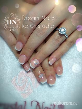 Dream Nails Körömstúdió - Francia kisasszony - 2021-01-13 10:55