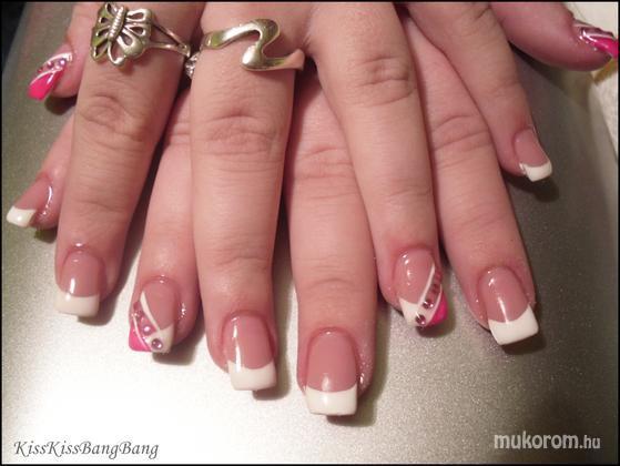 Csongrádi Ágota - francia pinkkel és kövekkel - 2011-03-31 17:01