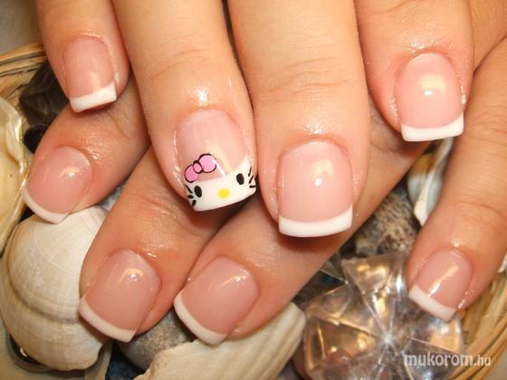 Maszlagné Hideg Szilvia - Hello Kitty festve - 2011-07-25 21:16