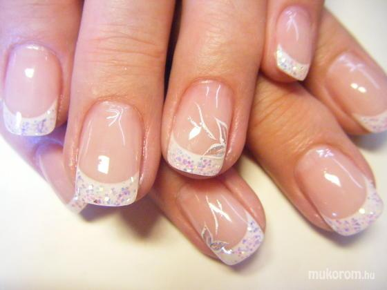 Pinknails Anita - csillámos körömvég - 2011-09-17 15:40
