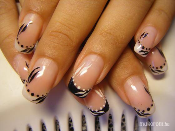 Pinknails Anita - fekete és fehér - 2011-09-17 15:48