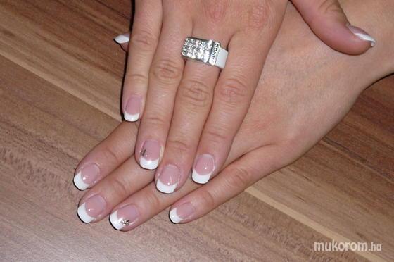 Veszeli Aranka - francia fehér - 2011-09-25 19:33