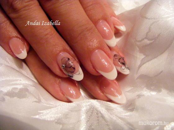 Andai Izabella - Mónika - 2011-10-27 21:40