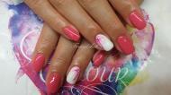 Best Nails - tejszínes eper szín és virágminta