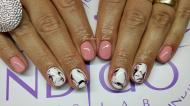 pasztell rózsaszín és márványos