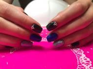 Fekete kék egy kis holoval