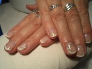 Best Nails - francia kis dísszel