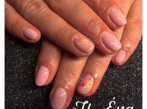 Pink nailfettyvel