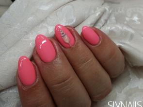 Rózsaszín gél lakk