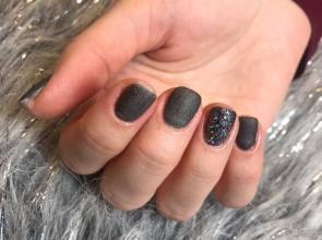 fekete matt