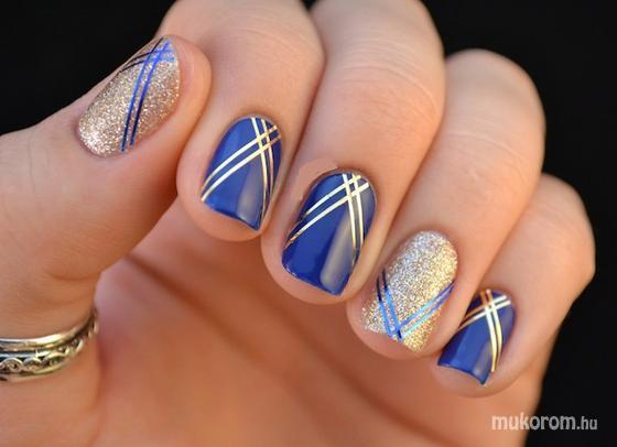 Maya Novakne - Moda en azul - 2013-09-30 14:53