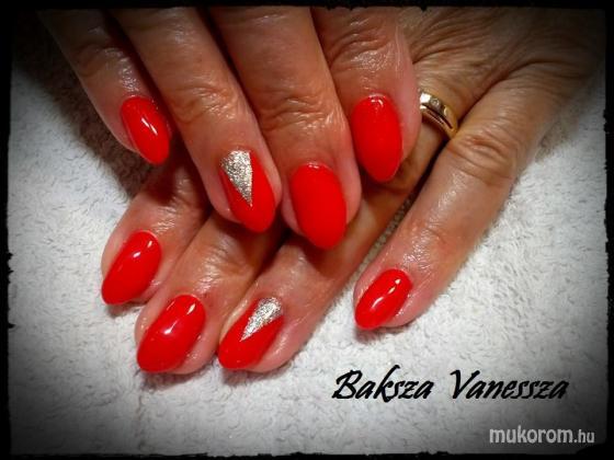Baksza Vanessza - ferrári piros - 2017-09-03 11:28