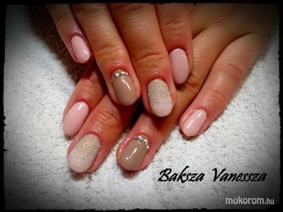 Baksza Vanessza - nude csillogás - 2017-09-03 11:31