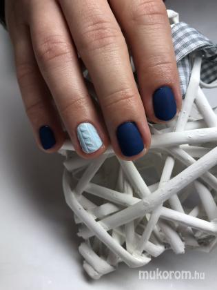 Kék pulover - Gél Lakk