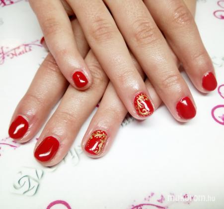 Magyar Niki - Moncsy Nails  Műkörmös - Piros arany chromeval - 2018-07-01 11:22