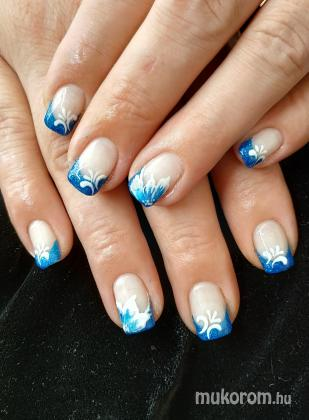 Nagy Nikolett - Kék csilli géllakk - 2018-09-07 04:28