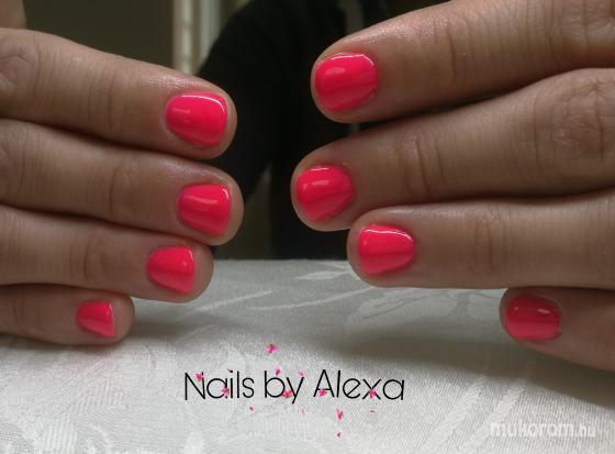 Fülöp Alexandra - Neon pink nails - 2019-05-16 12:05
