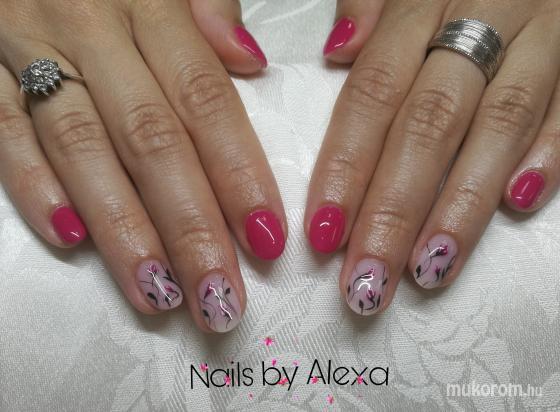 Fülöp Alexandra - Flower and pink nails - 2019-06-28 07:41
