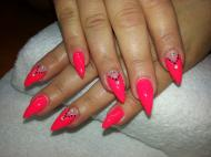 Best Nails - Neon hegyes