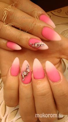 Pércsi Adrienn - pink - 2018-03-03 13:24